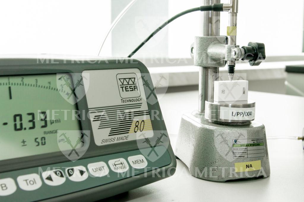 czujnik indukcyjny z odczytem tesa tt80